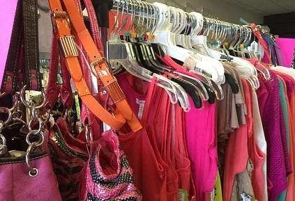 clothing-1045960__340